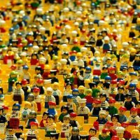 lego-crowd-by-eak_kkk-courtesy-of-pixabay-com-770-770x350